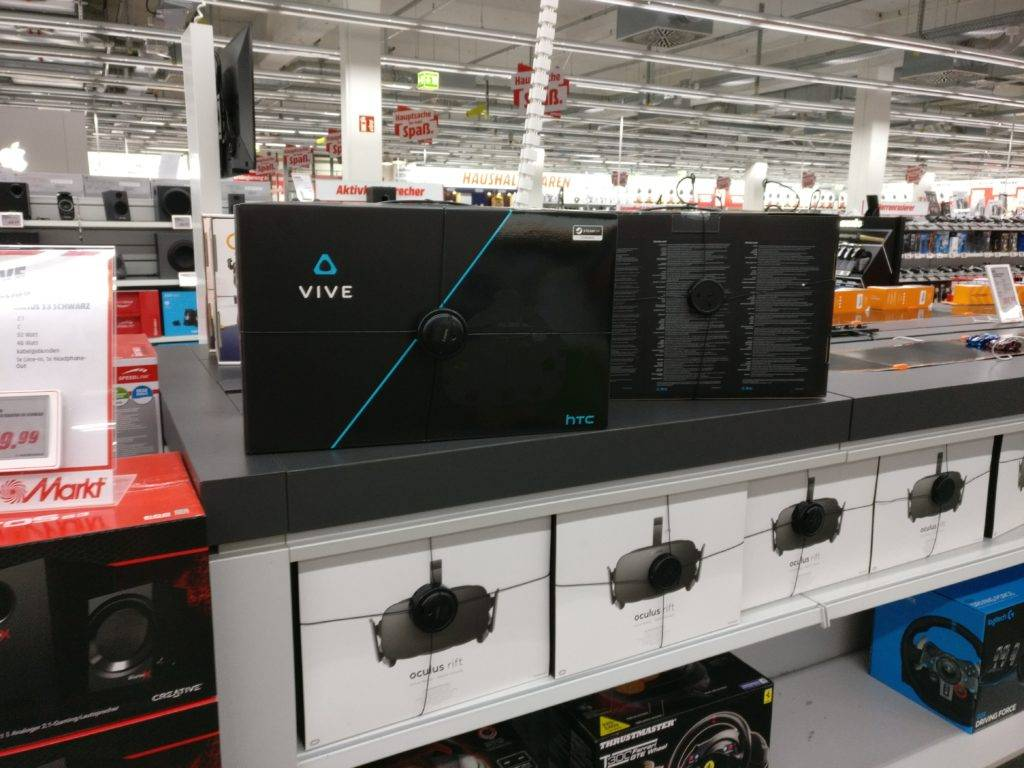 htc vive bei media markt saturn vrplayground. Black Bedroom Furniture Sets. Home Design Ideas